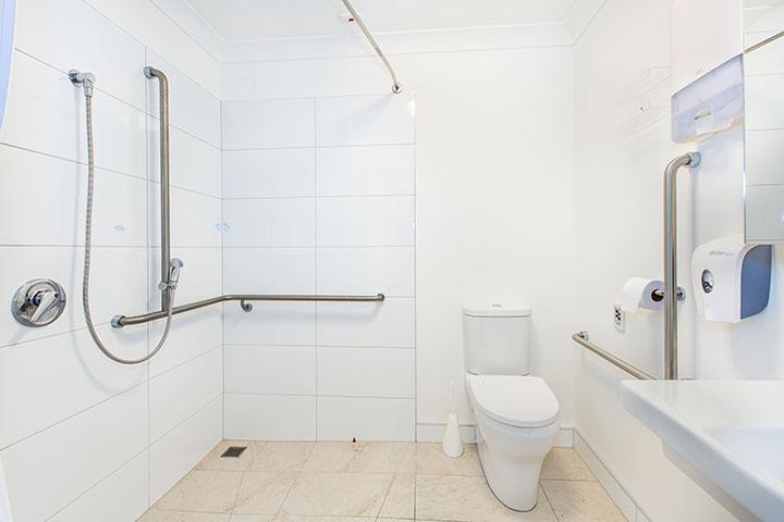 Radius Care Glaisdale Facility Lobell Construction bathroom